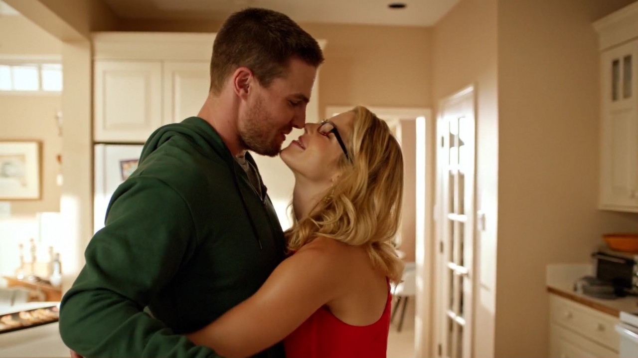 oliver-and-felicity-screen-cap