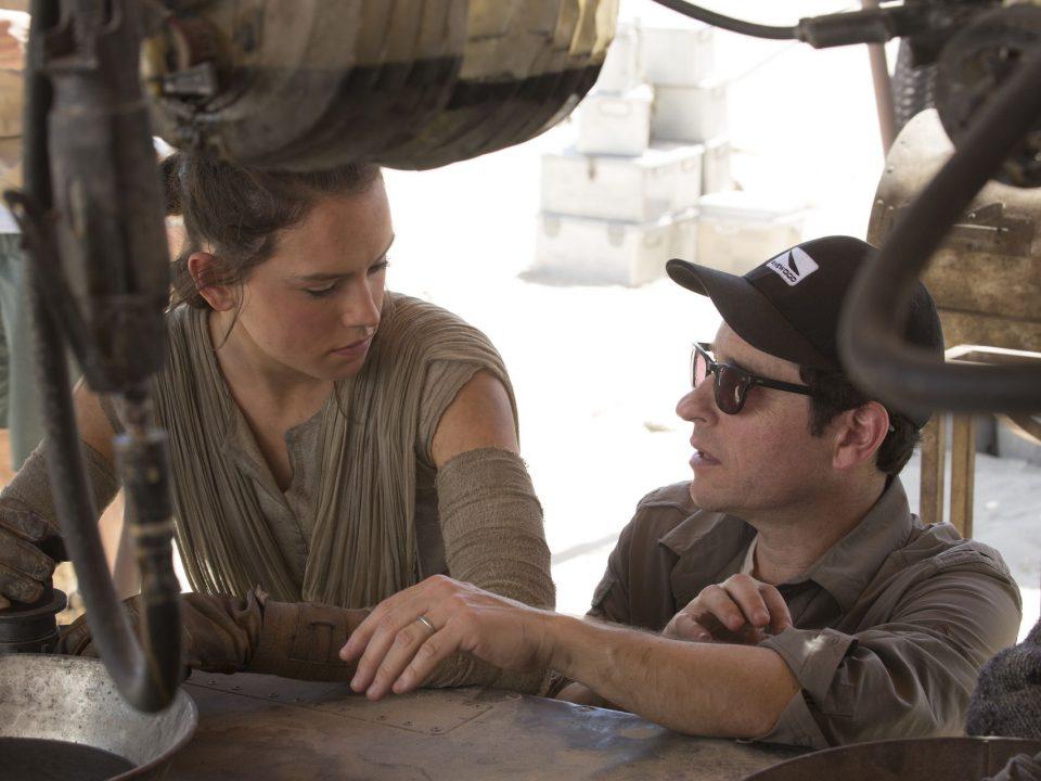 Abrams-Daisy-Ridley-Star-Wars_87251452_320002_1706x1280