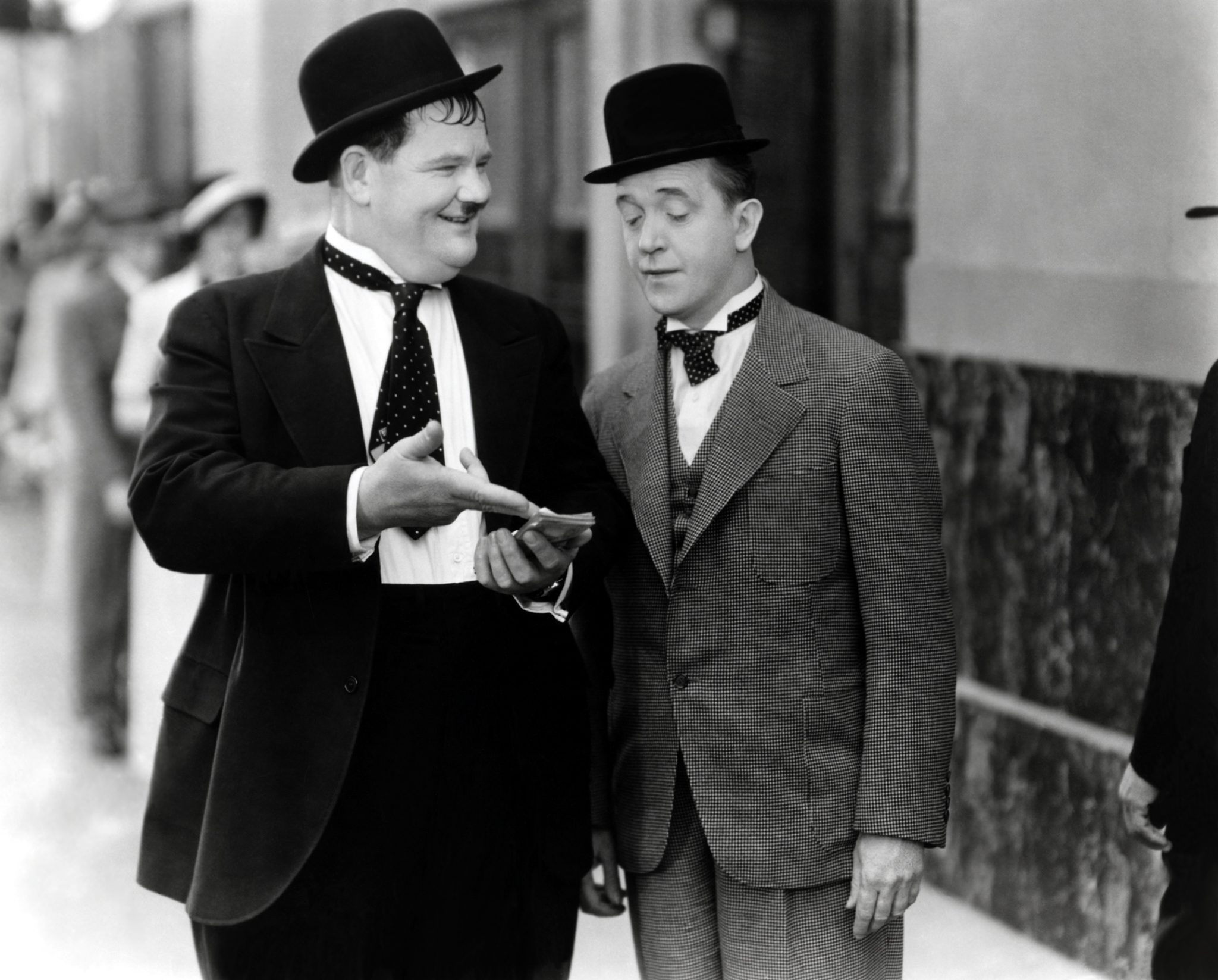 Laurel & Hardy (Thicker Than Water)_01