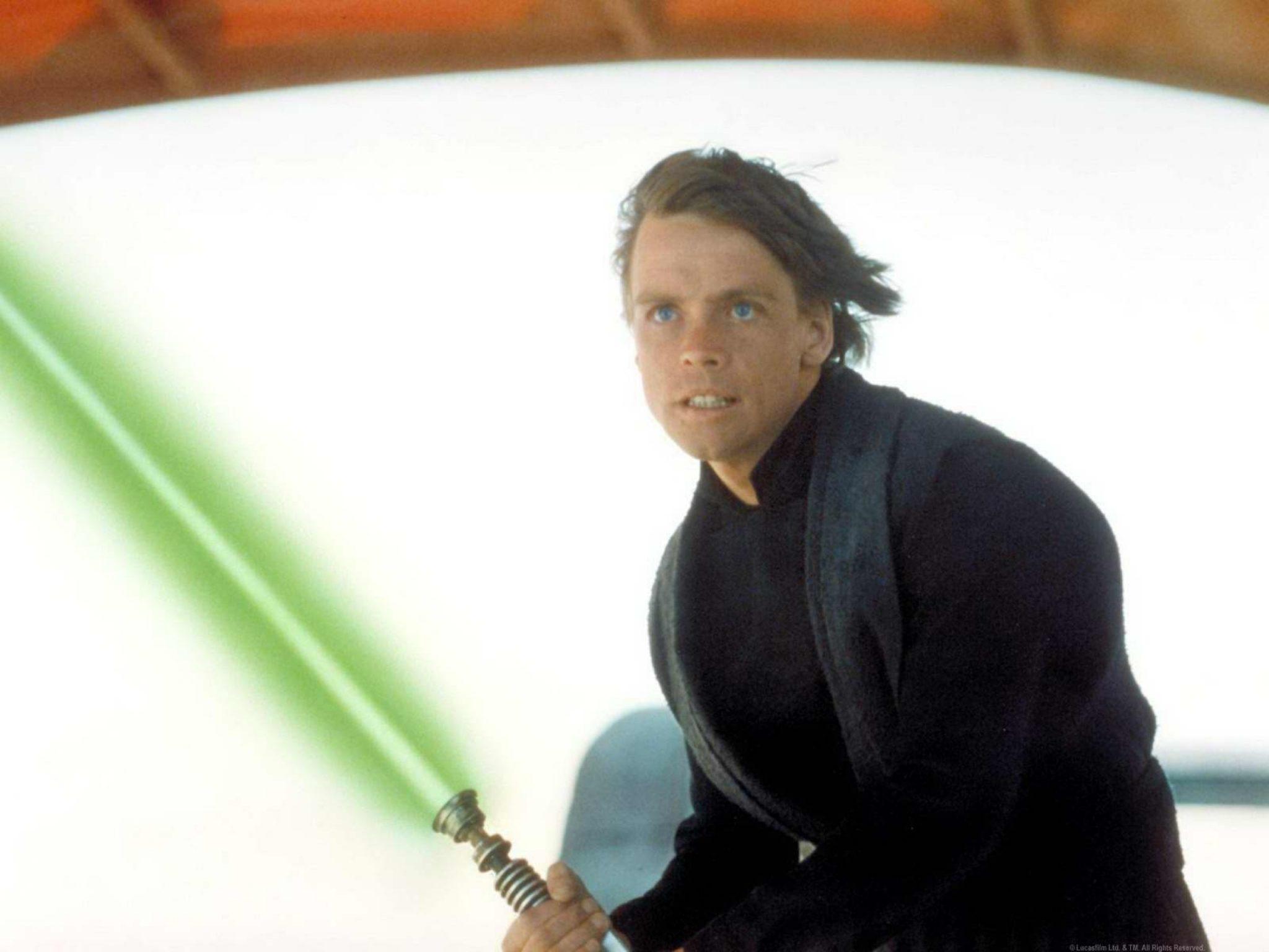 Luke's lightsaber is in The Force Awakens trailer