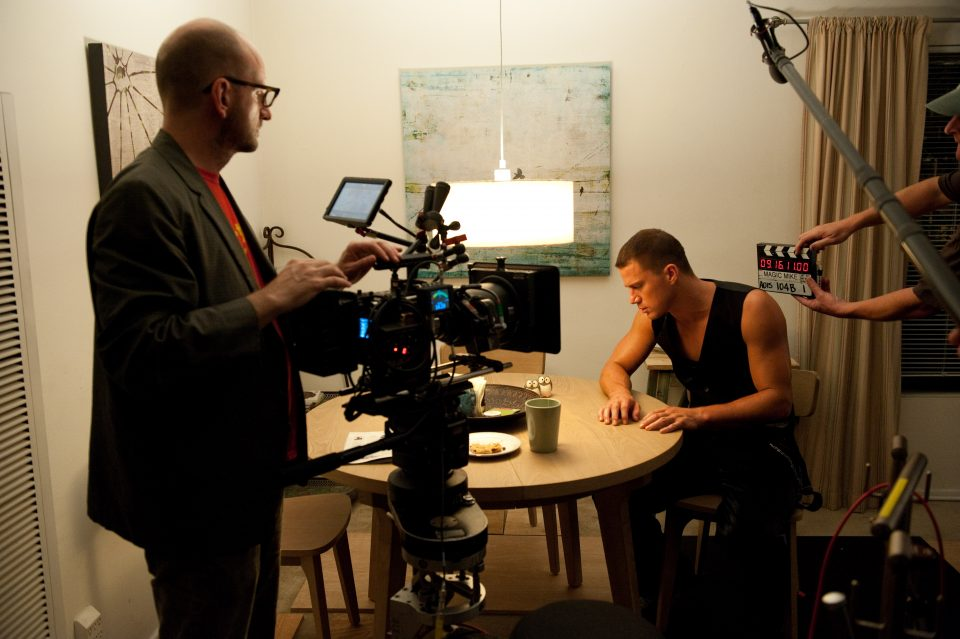(L-r) Director STEVEN SODERBERGH and CHANNING TATUM on the set of Warner Bros. PicturesÕ dramatic comedy ÒMAGIC MIKE,Ó a Warner Bros. Pictures release.Photo by Claudette Barius