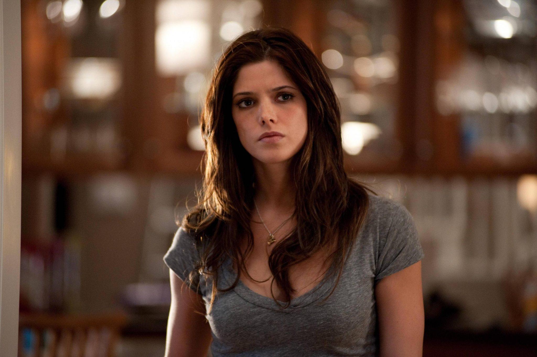 Melissa Benoist cast as Supergirl