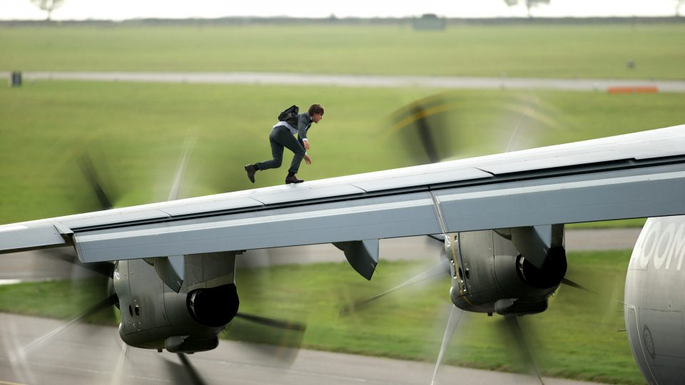 Mission- Impossible - Rogue Nation Stunt featurette