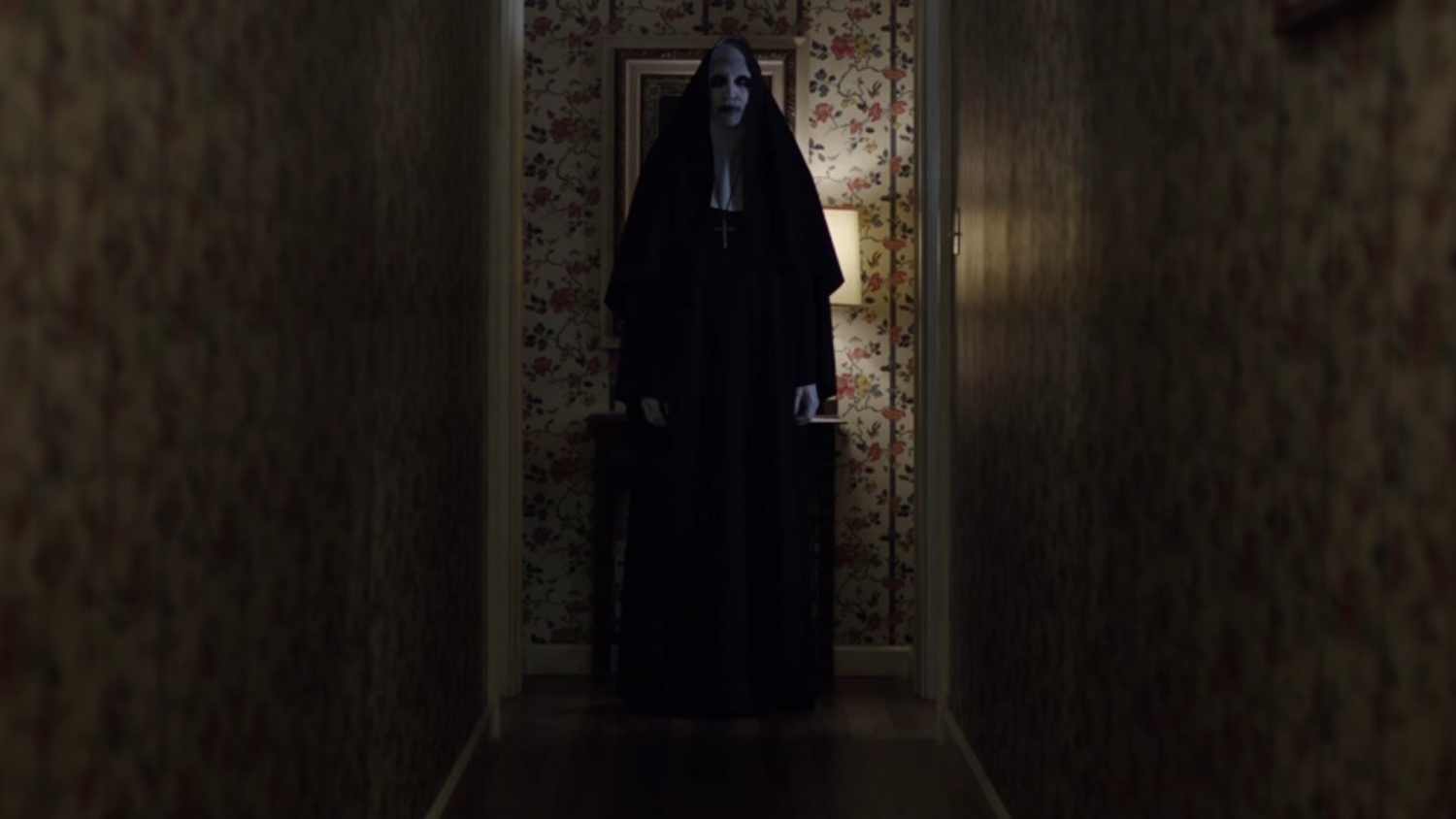 terrifying-new-trailer-for-james-wans-the-conjuring-2-social