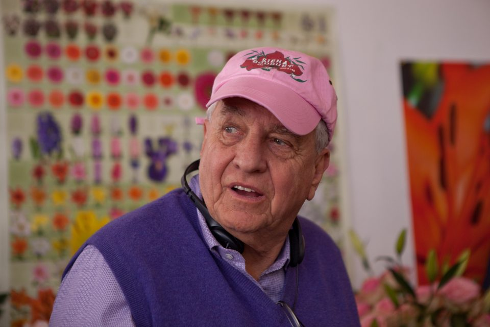 Director GARRY MARSHALL on the set of New Line CinemaÕs romantic comedy ÒValentineÕs Day,Ó a Warner Bros. Pictures release.