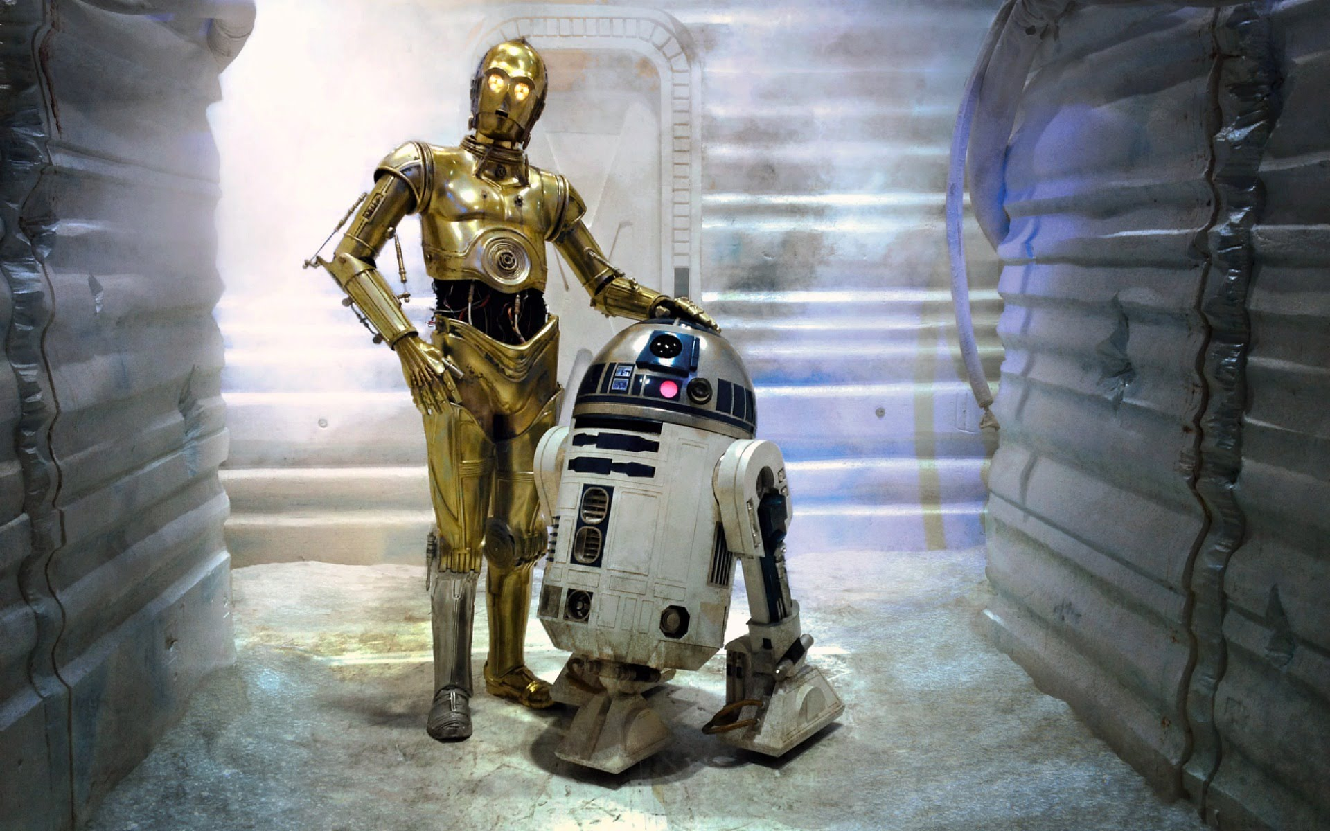 R2-D2_C-3PO